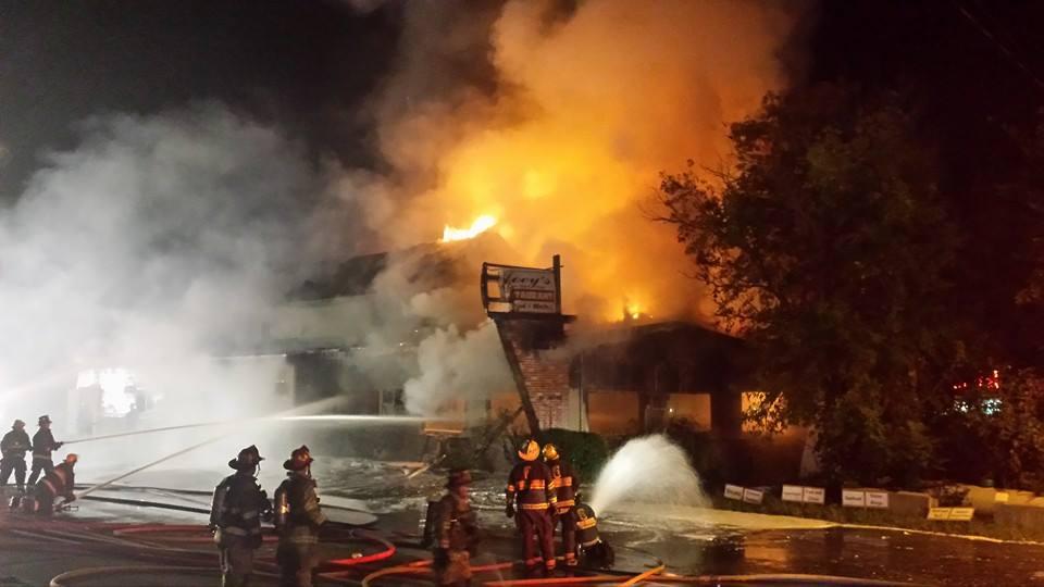 Fire Destroys Landmark Restaurant | WNTK Breaking News